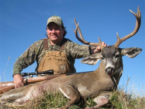 blacktail deer hunting 20100308 1847604335