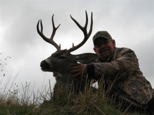 blacktail deer hunting 20110117 1634657413